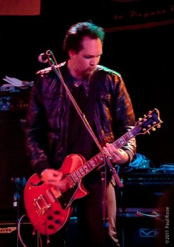 Mike Olekshy on guitar