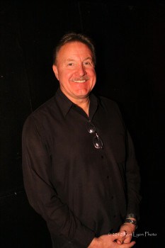 Director of Berklee Center in L.A., Peter Gordon (Ron Lyon)
